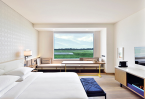 1-King-Bed-With-Runway-View_Andaz-Delhi-A-Concept-By-Hyatt_Treniq_0